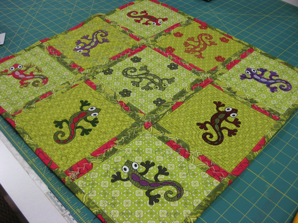Gecko Table Topper