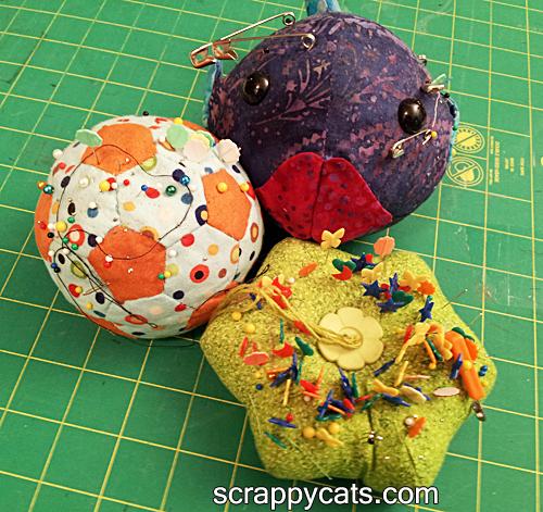 http://scrappycats.com/blog/wp-content/uploads/2014/04/pincushions.jpg